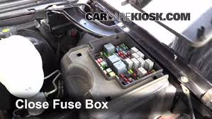 replace a fuse 2000 2006 chevrolet suburban 1500 2003 chevrolet 6 replace cover secure the cover and test component