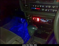 Вопрос про <b>подсветку ног водителя и</b> пассажиров