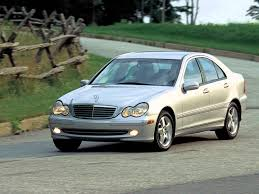 2000-2007 Mercedes Benz C-Class Requested by:fordruleskiasux - YouTube