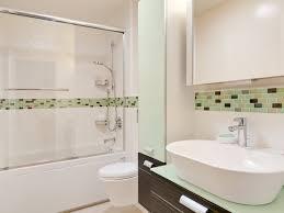 Small Bathroom Makeovers Create The Bigger Bathroom Look - Small bathroom makeovers