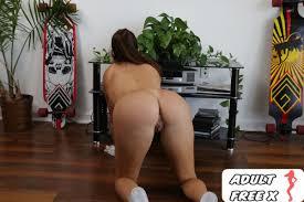 Julianna Vega Big Tit Latina Maid Takes Dick Porno Del Dia