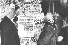 apollo houston we ve got a problem page  picture of italian newspaper stand displaying papers apollo 13 peril headlines