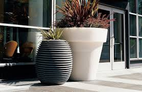 Vas One 4 Ft Tall Planter Planters Outdoor Planters Tall