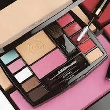 makeup palette travel size