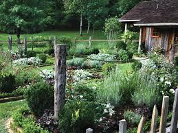 rustic outdoor kitchen garden