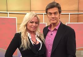 "Charlie Sheen's ex Amanda Bruce says ""he's a true gentleman, very honest"""
