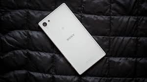 <b>Sony Xperia</b> Z5 Compact review: The best mini Android phone ...