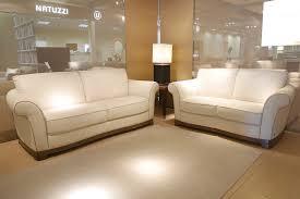 natuzzi a721 classic cream leather sofa with wood legs