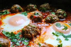 Afbeeldingsresultaat voor tagine meatball with eggs
