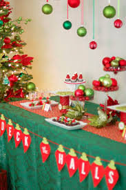 Decoration Stuff For Party 17 Best Ideas About Christmas Party Decorations On Pinterest