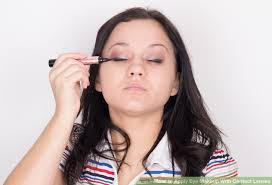 image led apply eye makeup with contact lenses step 6