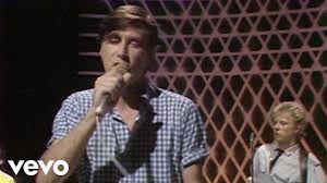 <b>Roxy Music</b> - Oh Yeah (On The Radio) Live on TOTP - YouTube