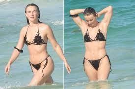 Julianne Hough bares her abs in a ...