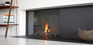armed with one of the top gas fireplace technologies the b100h features a wood burner which means it has 2 burners one long in the front and a short one
