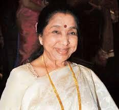 Asha Bhosale donates Rs 5 lakh to Mah CM's Drought Relief Fund - Asha-Bhosle