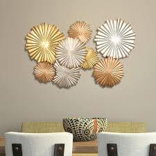 multi metallic circles wall décor
