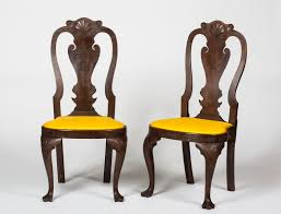 PAIR OF PENNSYLVANIA QUEEN ANNE STYLE SHELL CARVED MAHOGANY SIDE