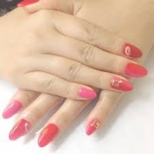 赤ピンク縦グラデーション 伊丹 ネイル フットケアサロン マイディア