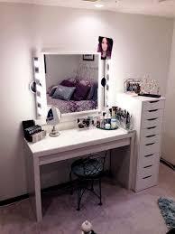 Makeup Bedroom Vanity Bedroom Vanity With Lighted Mirror Idea 4moltqacom