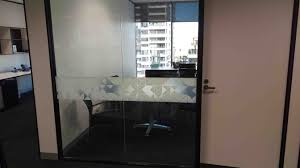 affordable glass replacement in melbourne