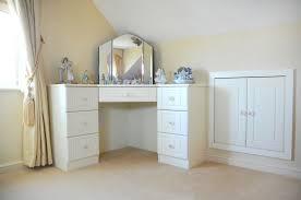 corner vanity table design modern