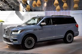 2018 lincoln small suv. beautiful small 2018lincolnnavigatorexteriorlivereveal001 to 2018 lincoln small suv x