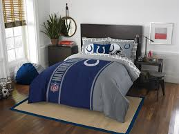 includes 1 full size comforter