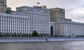 وزارة الدفاع الروسية تنفي صحة تقارير عن وجود قنبلة في أحد مبانيها بموسكو -  RT Arabic