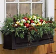 Christmas Window Box Decorations Gevulde bloembak kerstmis Pinterest Holidays Christmas 32