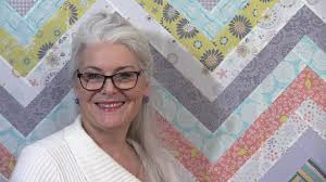 How to make an Easy Chevron Quilt - YouTube & How to make an Easy Chevron Quilt Adamdwight.com