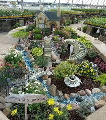 Create a truly unique fairy garden like this for your garden. Inspire  yourself with this idea.