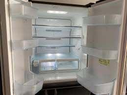 Tủ lạnh Toshiba 6 cánh GR-F56FXV (ZT) mặt kính 2012 - 33.000.000đ