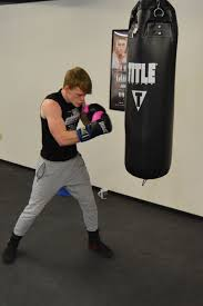diamond boxing signs another fighter