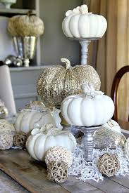 21 Charming White Pumpkin Fall Decorations For Your Household homesthetics  decor (2)