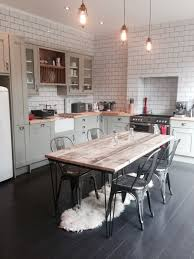 Farmhouse Kitchen Tables Uk Love This Kitchen With Its Exposed Brick Wall Farmhouse Table