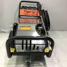 Máy phun xịt rửa xe cao áp Tiger UV-3200 5.5KW - META.vn