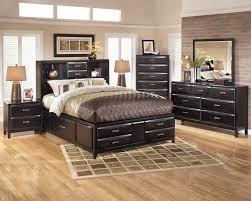 King And Queen Bedroom Decor Marilyn Bedroom Set Laptoptabletsus