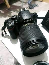 Izmir içinde, ikinci el satılık lensli siyah Nikon DSLR foto