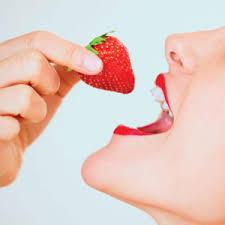 Image result for comer animado fresas
