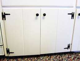 picture of fix it kitchen cabinet hinge