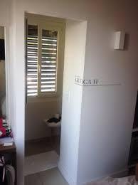 Hotel Les Voiles: Il Faut Vraiment Mettre Une Porte Coulissante