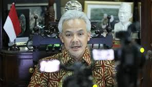 Catatan harian sang penggoda indonesia. Ganjar Pranowo Pernah Dianggap Prie Gs Tidak Cocok Jadi Gubernur Karena Seleb Tempo Co