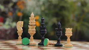 bulk whole hand carved wooden chess pieces chessmen in beige black color with dotted