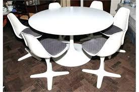 small retro dining tables retro round dining table retro style dining table room ideas retro dining
