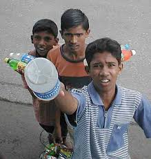 poverty in india   simple english wikipedia  the free encyclopediastreet children in india selling snacks and drinks to bus passengers