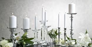 Dalani candele bianche: riflessi di purezza e romanticismo