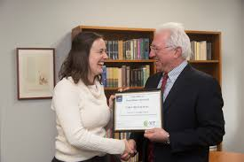 UMD Graduate Student Wins People     s Choice Award at International     UMD Right Now   University of Maryland COLLEGE PARK  Md      Carly Muletz Wolz  a PhD candidate in biological sciences at the University of Maryland  has won the People     s Choice Award in the