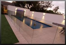 hartley glass pool fencing example 2 view image
