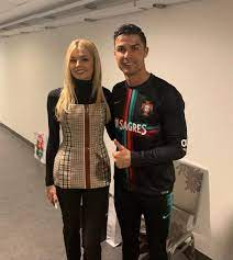 Zinchenko's girlfriend shares photo with Ronaldo who completes 700th career  goal