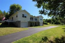 21 Muriel Dr, Troy, NY